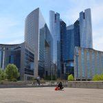 Avez-vous visité La Défense, le côté futuriste de Paris?