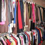 Marchés de vêtements et chaussures d'occasion