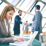 Quelles tâches un assistant de gestion effectue-t-il?